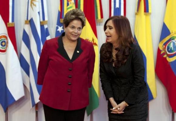 CUMBRE. Dilma y Cristina, juntas en Mendoza.