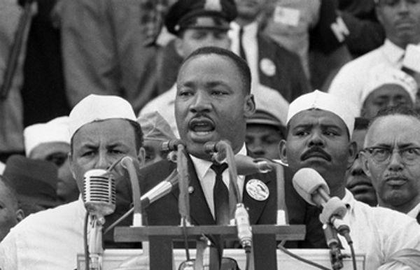 Martin Luther King dio su histórico discurso hace 50 años, de espaldas al monumento que recuerda a Abraham Lincoln.