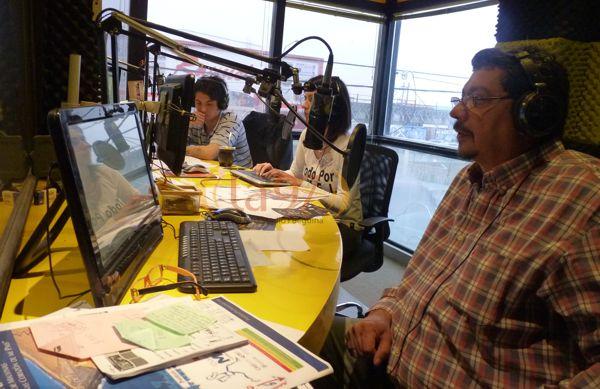 Locutores, técnicos y  y operadores de casi todas las radios de Río Grande trabajaron juntos ese día.