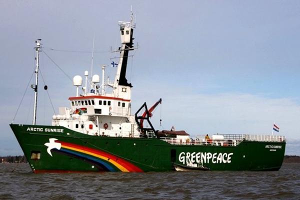 Greenpeace barco