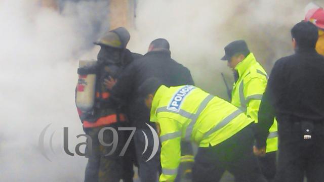 El humo tóxico del material plástico hizo estragos en loa bomberos (foto A. Vauquelin)