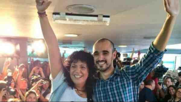 DOBLE SORPRESA. Rosana fue sorprendida por el mismo Abel Pintos.
