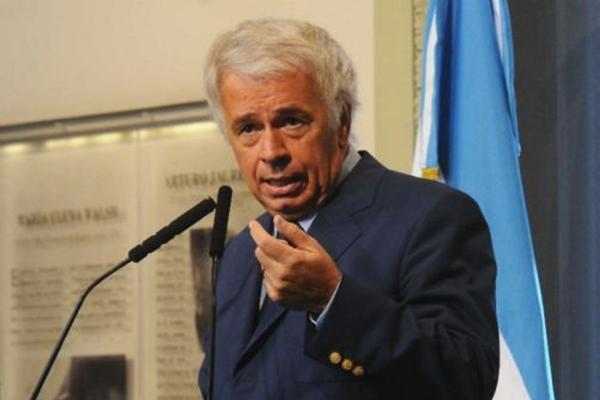 De La Sota advirtió que crece el desempleo en el sector automotriz.